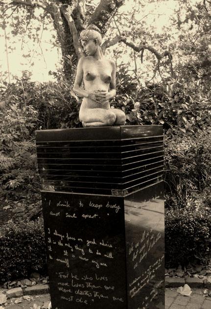 statue oscar wilde galway